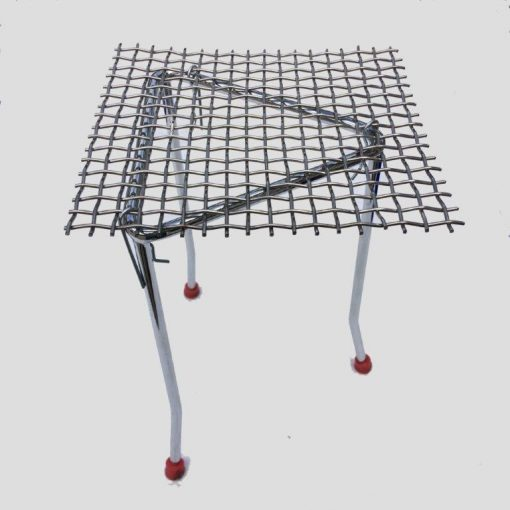 Tripod with mesh